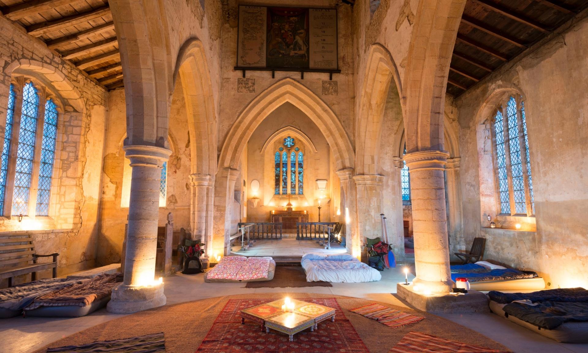 Dormir dans une église Churches Conservation Trust