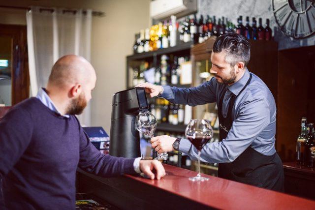 Albicchiere distributeur intelligent sert le vin à la température idéale 1