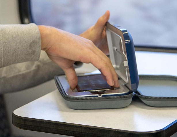PhoneSoap Go le désinfectant UV et chargeur pour votre téléphone