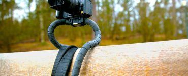 Conda - Frii Designs dévoile une courroie d'appareil photo qui se transforme en trépied rigide