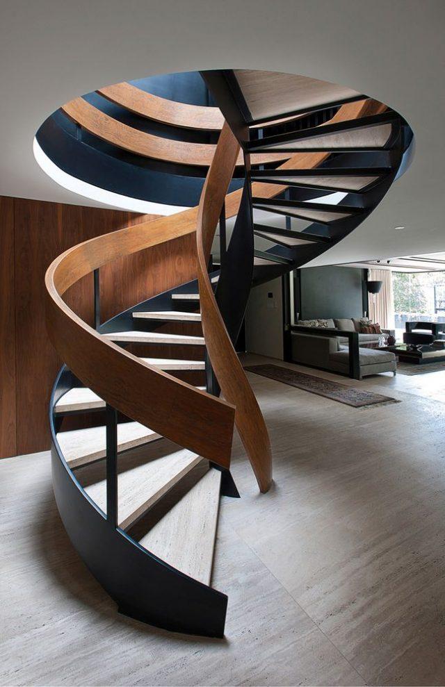 Un escalier en colimaçon signé Paola Calzada Arquitectos