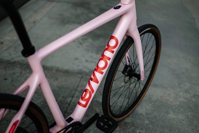 LeMond dévoile un vélo en carbone de 11,8 kilos 1