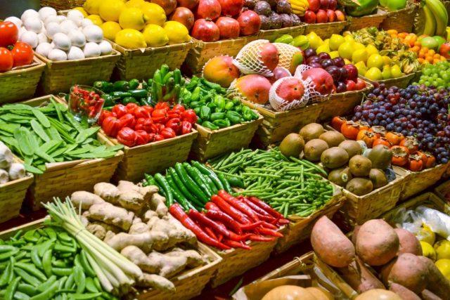 Un film adhésif pour fruits et légumes conçu pour détecter les résidus de pesticides